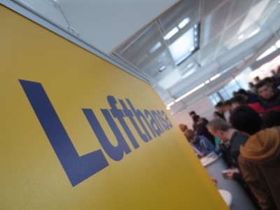 A very busy day at the Lufthansa booth ...