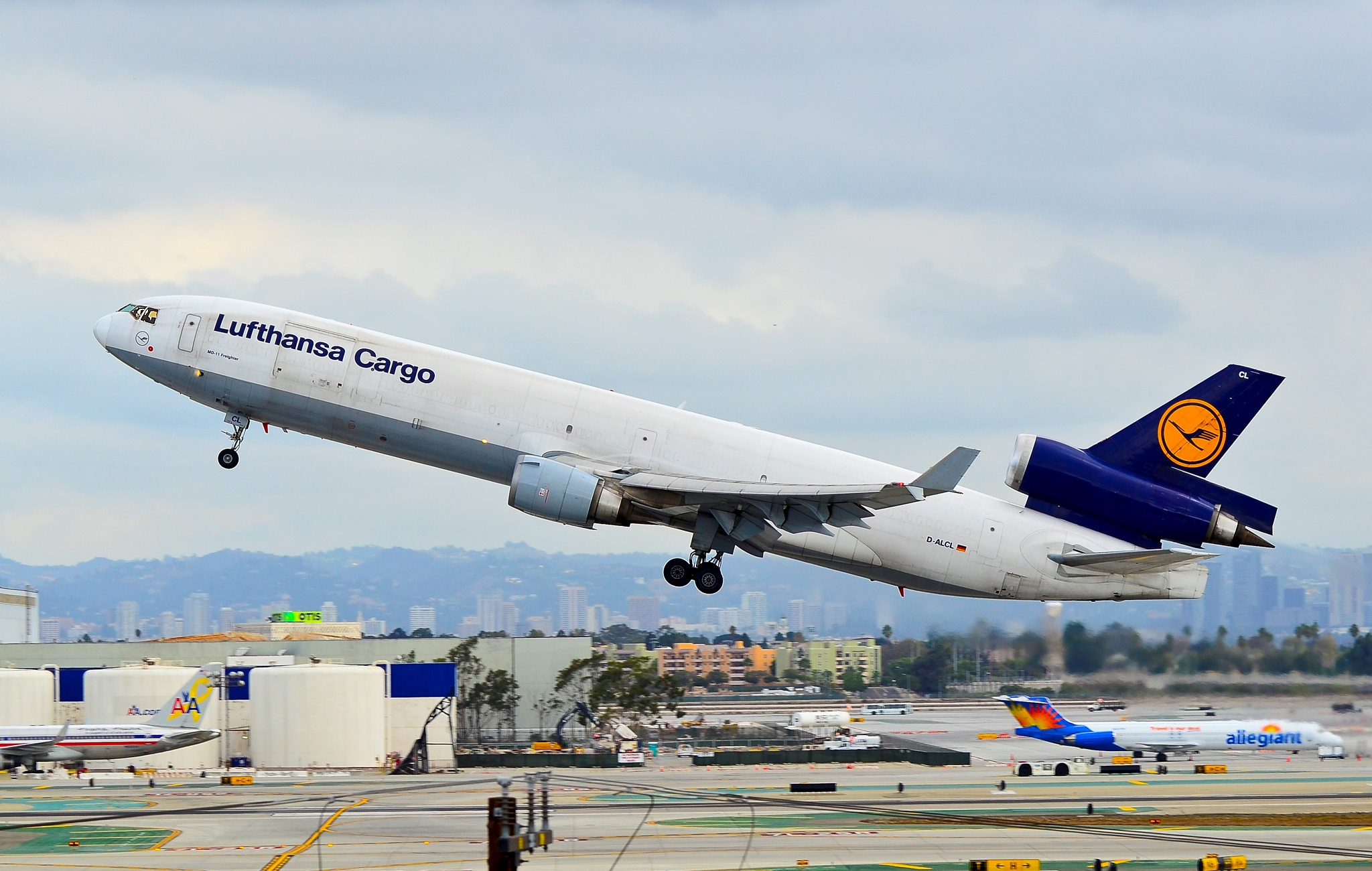 lufthansa bcg Lufthansa cargo, frankfurt am main, germany 169,623 likes 398 talking about this 3,382 were here welcome to the official fanpage of lufthansa.