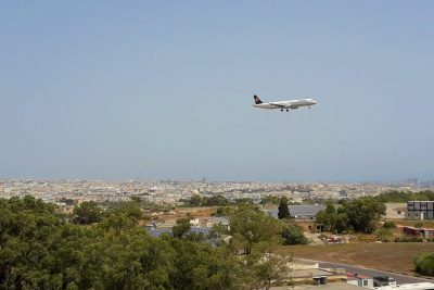 A321-200 in approach for landing at Malta